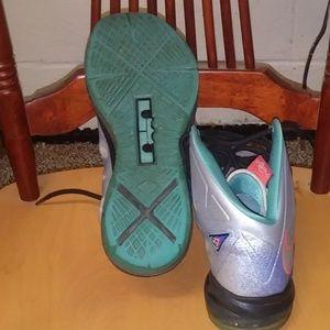 Nike Shoes - Men's Nike shoes